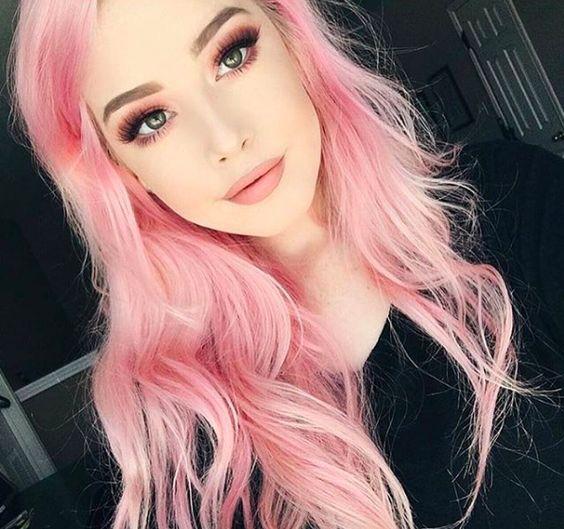 Pink hair dye: you can not be unnoticed