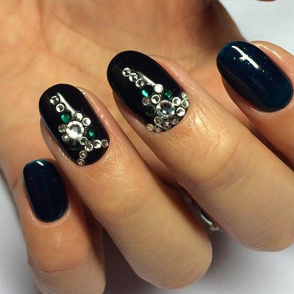 Black nails with rhinestones