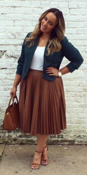 pleated skirt to hide the tummy