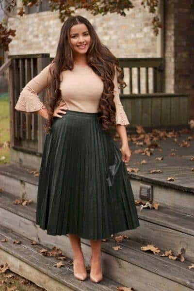 pleated skirt to hide tummy