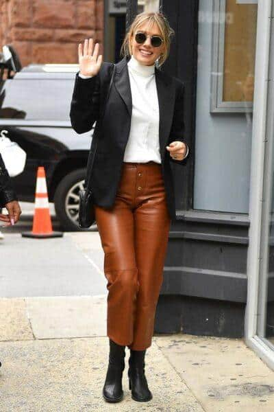 Leather trousers: which footwear