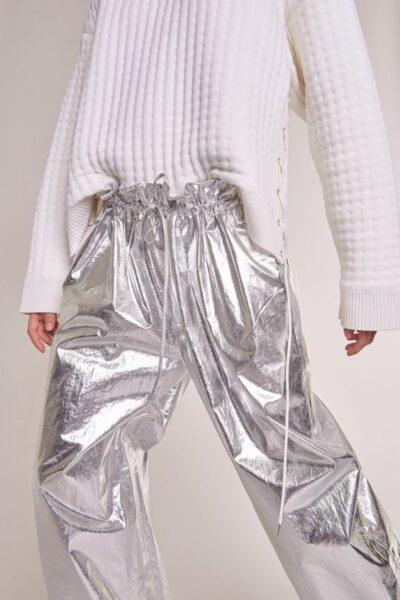 how to wear metallic clothes