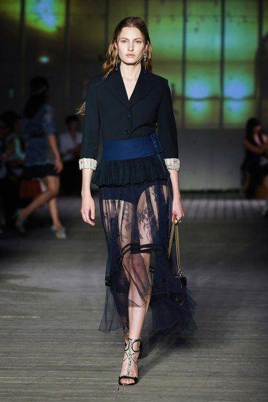 Lace Skirt – Your Seduction Weapons! What to Wear a Lace Skirt with?