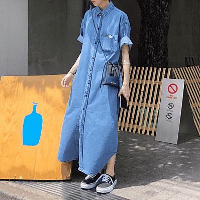 maxi denim dress and sneakers