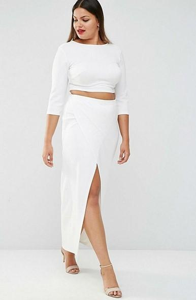 Crop top for inverted triangle body
